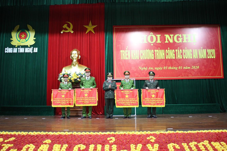 Các đơn vị được nhận Cờ thi đua của Bộ Công an