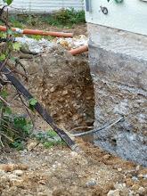 Photo: wie verloren doch unser Wasserhahn dort oben ist... bisher war der nicht weit vom Boden weg...