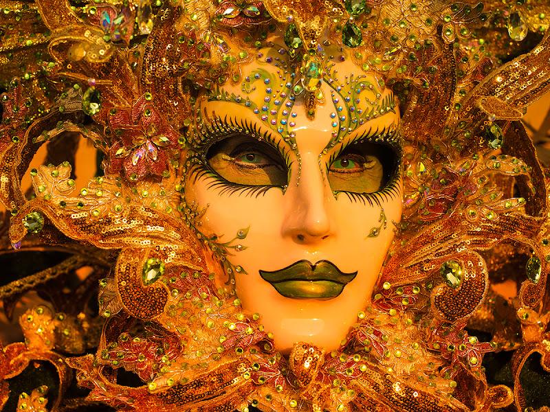 Orange in mask di brunosma