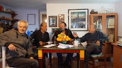Gideon, Pedro, Eduardo y Fernando charlando. Foto: Ricardo Alba.