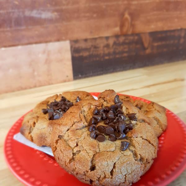 GF chocolate-peanut butter cookie
