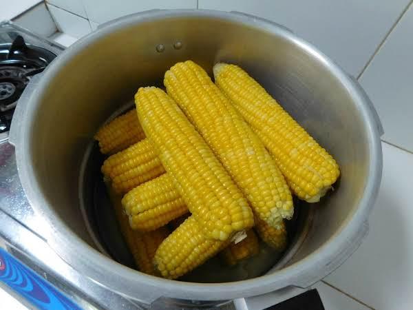 Fresh Sweet Corn Pressure Cooked.