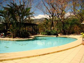 Photo: #013-La piscine de l'hacienda Guachipelin à Rincon de la Veija