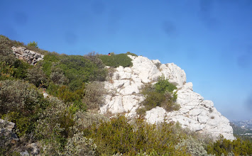 Photo: Garrigue calcaire ciel, couleurs de Provence.