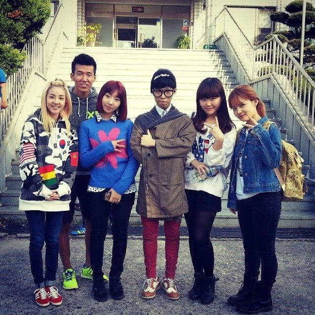 2NE1 Dara and Minzy, AKMU and Lee Hi