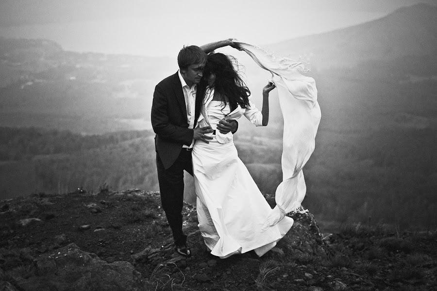 Wedding photographer Vasiliy Tikhomirov (BoraBora). Photo of 18.03.2015