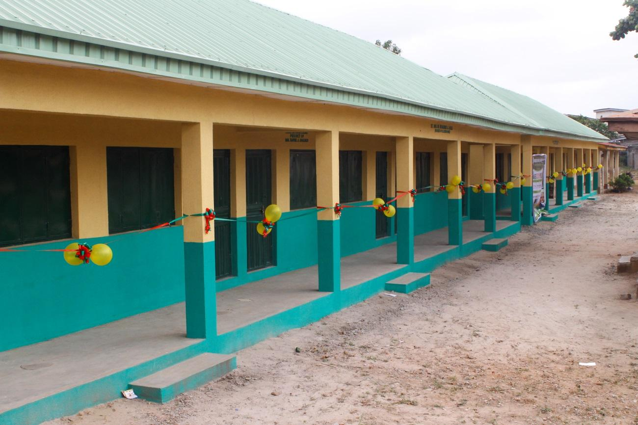TAACO SCH INAUGURATION DOPEMU OYEWOLE SCHOOLS\TAACO FOR PRESS