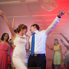 Wedding photographer Sergey Yalyshev (L33s). Photo of 19.12.2014