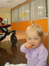 Photo: Une petite fille sage........