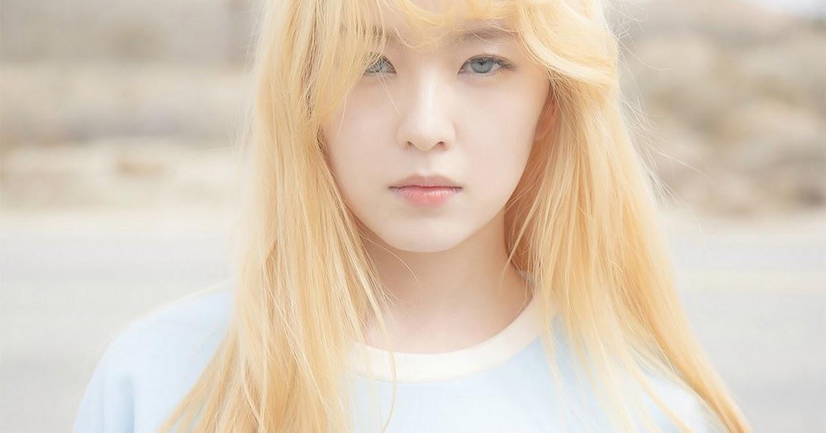 Red Velvet's Irene glares in disapproval at smoker