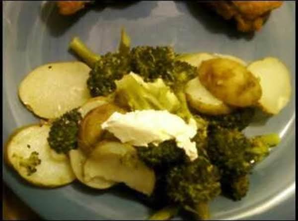 Lemon Peppered Broccoli And Potatoes