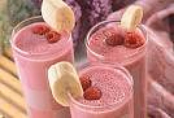 Low Sugar- Low Fat Banana Raspberry Smoothie Recipe