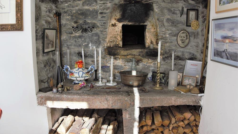 The old bread oven was preserved. One of the nice old elements in the house.