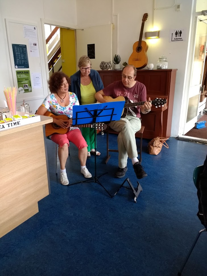 In DOEL werkt muziek gemaakt, zijn er maaltijden en zijn er creatieve workshops. Doel is open om gewoon een keer te bezoeken