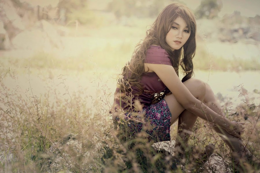 I feel more admire to you.... by Arief Maulana - People Fashion