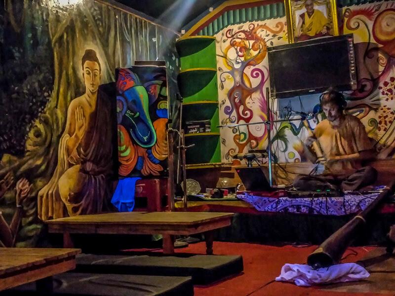 night+music+welcome+cafe+bhagsunag+villages+in+himachal+pradesh