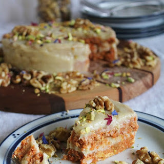 Raw Carrot Cake With Cream Cheese Frosting