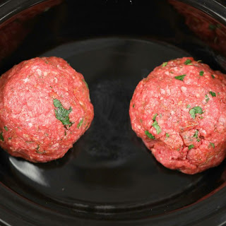 How to make Mediterranean meatballs for gyros (video)