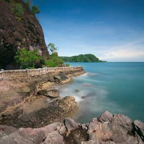 Pantai Cirocok by Taufik T KamaMoto - Landscapes Beaches