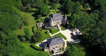 Château 15 pièces 600 m2
