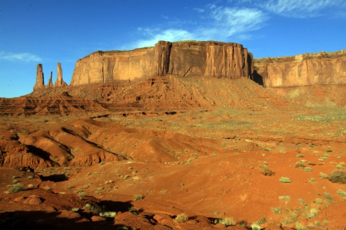 Photo: Monument Valley the Three Sisters   http://bestwesternarizona.com