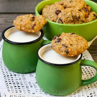 Gluten-Free Quinoa Cookies With Chai Tea Latte
