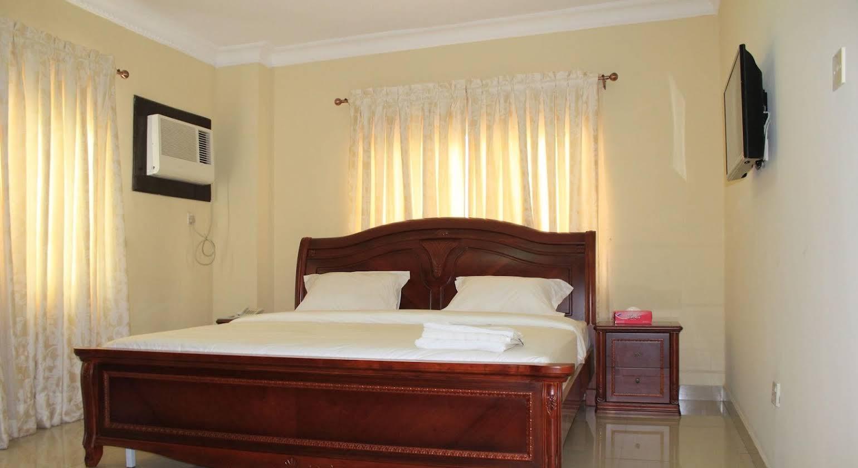 Habitat Suites International Apartment