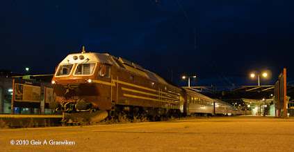 Photo: NSB night train ready for departure at Trondheim station, for the long trip through the night to Bodø (Di4 diesel electric locomotive)