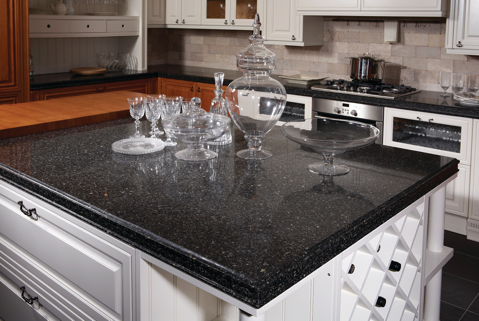 Black Quartz Countertops 9 Stunning Design Ideas For Your Home