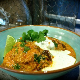 Indian Chicken & Cashew Curry with Mint Yoghurt.