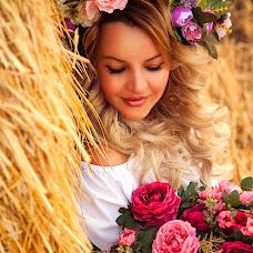 Wedding photographer Darya Serova (bubble). Photo of 19.09.2017