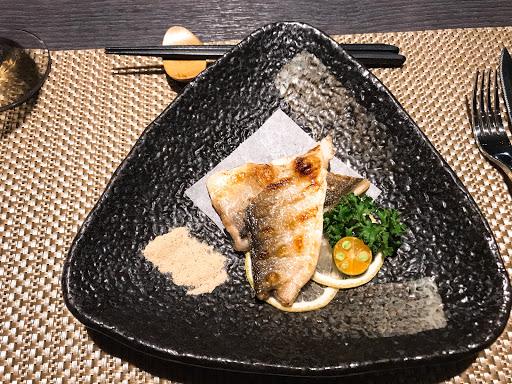 首推午魚一夜干 這道菜色個人覺得比主菜還要出色 整體用餐氣氛優美,菜色也有一定水準