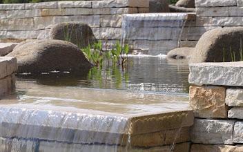 Photo: Soukromá zahrada - vodní kaskáda, pískovec