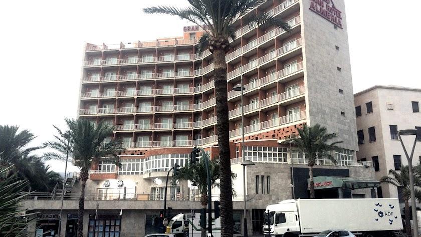 El Gran Hotel Almería, de la cadena Ohtels, cerrado hasta, en principio, el 1 de marzo.