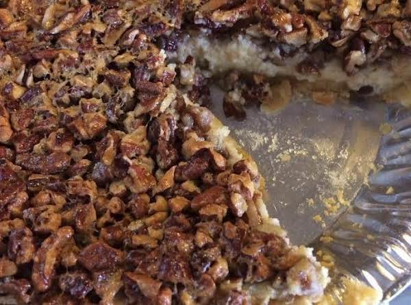 Easy Cheesecake Pecan Pie :) Very Good And Very Easy To Make!