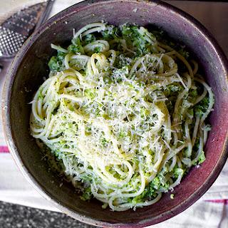 Spaghetti with Broccoli Cream Pesto