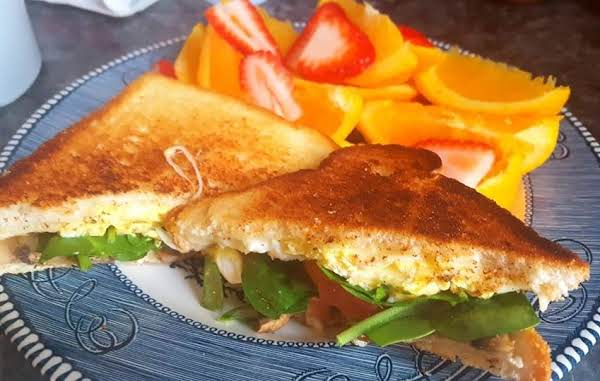 Veggie Egg & Cheese Breakfast Sandwich Recipe