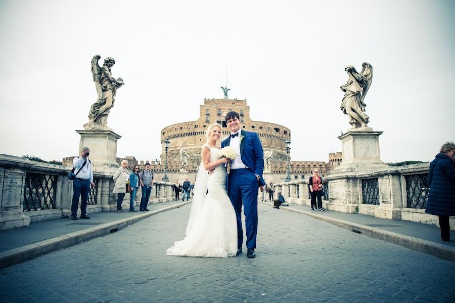 Fotografo di matrimoni Lidia Marcelli (attimidiluce). Foto del 01.05.2016