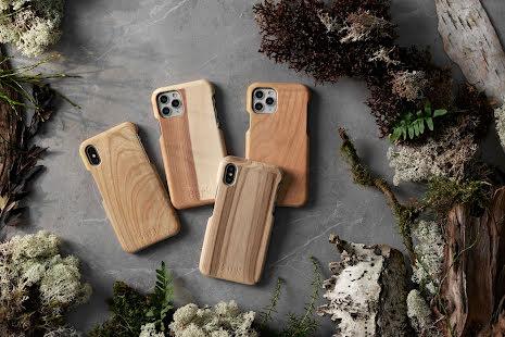 Mobilskal till iPhone XR av svenskt hyggefritt trä, natur