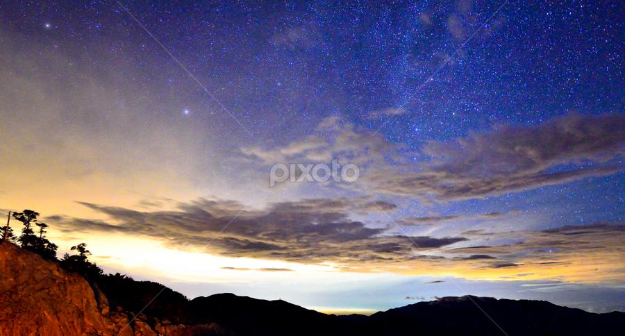 風雲再起!!! by 敬昕 涂 - Landscapes Starscapes ( sky, mountain, 16mm, stars, alex, long exposure, milky way )