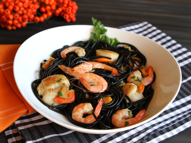 Yum in Black! 5 Bizarre Ways Squid Ink Can Be Used in Your Food! 1
