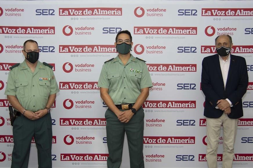 David Domínguez, portavoz de la Comandancia de la Guardia Civil en Almería; Alberto Redondo Sánchez, Comandante Jefe del Grupo de Delitos Tecnológicos de la Guardia Civil; y Jacinto Castillo, director de Agricultura 2000.