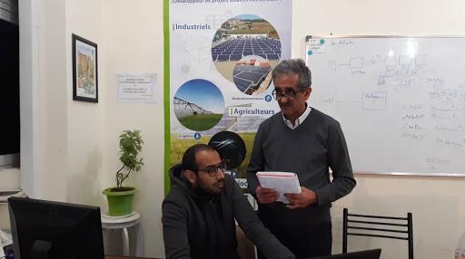 Mohamed Sellal à son bureau