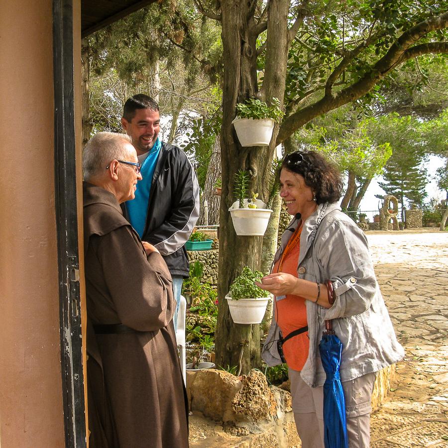 Гид по Израилю Светлана Фиалкова в монастыре босых кармелитов.