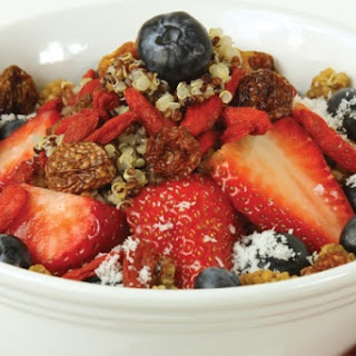 Super-Berry Quinoa Oatmeal