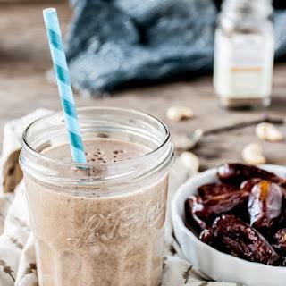 Cashew, Cardamom & Date Smoothie