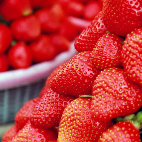 Strawberry by Prasanna Natarajan - Food & Drink Fruits & Vegetables