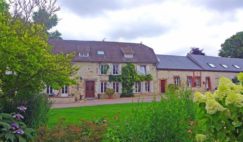 Maison avec piscine et terrasse Crécy-sur-Serre