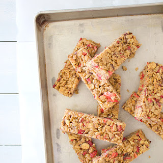 5-Ingredient Strawberry Almond Cereal Bars {GF, Vegan}