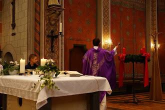 Photo: Segnung des Adventskranzes